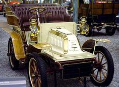 De Dion-Bouton Type V, voiture routière de 1904 La De Dion-Bouton Type V, cette ancienne voiture fut produite en 1904. ✏✏✏✏✏✏✏✏✏✏✏✏ IDEE CADEAU / CUTE GIFT IDEA ☞ http://gabyfeeriefr.tumblr.com/archive ✏✏✏✏✏✏✏✏✏✏✏✏