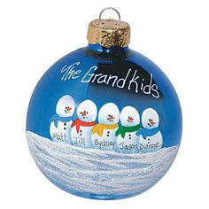 Diy Christmas Ornaments For Grandparents Families Best Ideas Painted Christmas Ornaments, Noel Christmas, Christmas Crafts For Kids, Christmas Balls, Homemade Christmas, Christmas Projects, Winter Christmas, Holiday Crafts, Holiday Fun