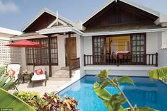 These palatial and elegant gated mini-villas, complete with plunge pool and sauna, are ide...