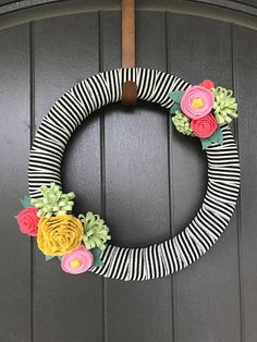 $40 - Felt Flower Wreath- Spring- Summer Felt Flower Wreaths, Felt Wreath, Easter Wreaths, Felt Flowers, Fabric Flowers, Felt Patterns, Flower Patterns, Pom Pom Garland, Felt Fabric