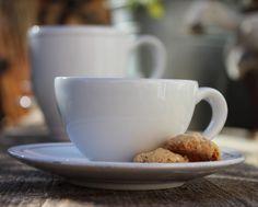 "Kaffee-Pause!  Costa Nova ""Friso"" - Schönes Geschirr aus Portugal Costa Nova Portugal, Shops, Pause, Tableware, Table, Nice Asses, Tents, Dinnerware, Dishes"