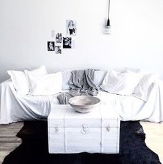My natural monochrome living room