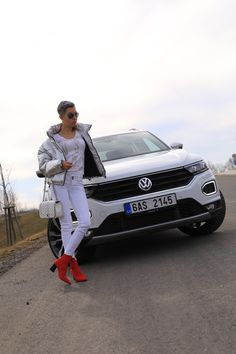 Autfit k Volkswagen T-Roc Vw T, Volkswagen, Starbucks, Hipster, Lifestyle, Fashion, Moda, Hipsters, Fashion Styles