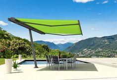 Grazie a tende da sole, pergole, gazebo e ombrelloni si guadagnano nella bella stagione nuovi spazi da abitare.