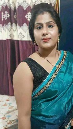 Beautiful Girl In India, Beautiful Women Over 40, Beautiful Blonde Girl, Cute Beauty, Beauty Full Girl, Beauty Women, Beautiful Bollywood Actress, Most Beautiful Indian Actress, Beautiful Girl Hd Wallpaper