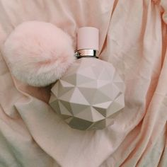 Find images and videos about ariana and grande on We Heart It - the app to get lost in what you love. Ari Perfume, Daisy Perfume, Lovely Perfume, Ariana Grande Perfume, Ariana Grande Fans, Ariana Merch, Sweet Like Candy, Tips Belleza, Smell Good