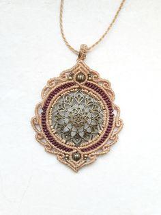 Charm- & Bettelketten - macrame makramee kette charm mandala hippie bronze…