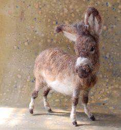Donkey von SarafinaFiberArt auf Etsy