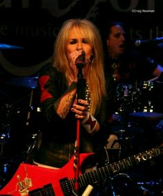 I TOOK THIS PHOTO OF LITA FORD IN 2016. PHOTO BY PAM MONTLACK