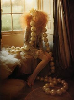 Model Lily Cole, photographer Tim Walker for Vogue, Italy, July 2005 Lily Cole, Arte Fashion, Look Fashion, Editorial Fashion, Chanel Fashion, Fashion Images, Fashion Models, High Fashion, Richard Avedon