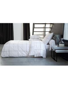 linge de lit on pinterest deco mobiles and ikea. Black Bedroom Furniture Sets. Home Design Ideas