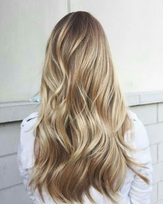 Caramel and blonde balayage hair color 2018 for short, long, medium length hair, pictures of honey blonde and copper blonde balayage hairstyles for fine straight hair, thick and thin curly hair Pretty Hairstyles, Hairstyles Haircuts, Brown Hairstyles, Hairstyles Pictures, Summer Hairstyles, Pixie Haircuts, Celebrity Hairstyles, Hairstyle Ideas, Braided Hairstyles