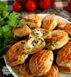 You will love it with its soft texture on the outside and crispy on Yeast Free Recipes, Appetizer Recipes, Appetizers, Turkish Recipes, Ethnic Recipes, Turkish Breakfast, Donut Recipes, Food Blogs, Baked Potato