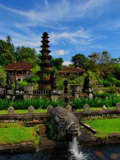 El templo de Tirta Gangga en Bali, Indonesia