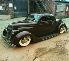 Modified '35 Ford 3-Window Coupe