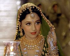 Madhuri Dixit, the most amazing creature I´ve seen, as Chandramukhi in Devdas. Merry Christmas dearest Picture originally turned into black and white, t. The beauty of Chandramukhi Bollywood Stars, Bollywood Images, Vintage Bollywood, Bollywood Celebrities, Pakistani Wedding Outfits, Bridal Wedding Dresses, Beautiful Bollywood Actress, Most Beautiful Indian Actress, Beautiful Girl Image