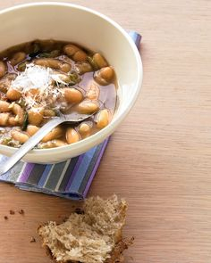 Mash+some+of+the+beans+to+thicken+the+broth+of+this+hearty,+100+percent+vegetarian+soup.+Sprinkle+with+Parmesan+before+serving.