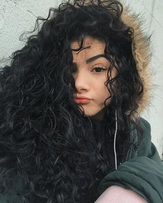 Retro Hairstyles, Girl Hairstyles, Long Curly Hair, Curly Hair Styles, Girl With Brown Hair, Hair Color Balayage, Cool Hair Color, Hair Inspo, Hair Goals