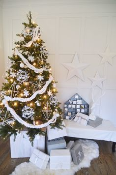 Dream Tree Challenge – White Christmas Tree 2015 | MichaelsMakers Jenallyson - The Project Girl