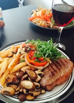 Steak & NZ Pinot Noir