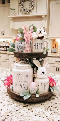 87 How To DIY Some Trendy Rae Dunn Inspired Farmhouse Style – Farmhouse Room - Pam Barker - Coffee Stations Nashville, Tray Decor, Decoration Table, Spring Decorations, Country Farmhouse Decor, Farmhouse Style, Rustic Decor, Tray Styling, Styling Tips