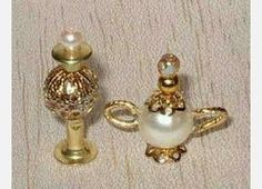Miniatures tutorial by Debbie Chadwick ~ love these tiny teapost and lamps made from beads!  Perfect for a doll house!