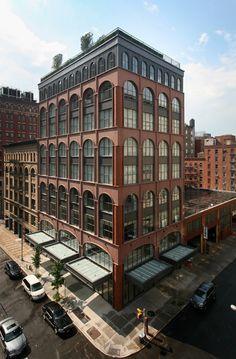 Urban Industrial Decor Tips Brick Architecture, Industrial Architecture, Mix Use Building, Building Design, Watercolor Architecture, Brick Facade, Urban Loft, Building Facade, Facade Design