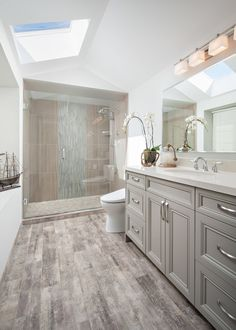 42 Chic Design Ideas to Rejuvenate Your Master Bathroom is part of Grey bathrooms Are you in a bit of a rut with your master bathroom With all the expenses many of us have to face in our daytoday l - Large Bathrooms, Grey Bathrooms, Modern Bathroom, Minimalist Bathroom, Boho Bathroom, Master Bathrooms, Simple Bathroom, Beautiful Bathrooms, Master Bedroom