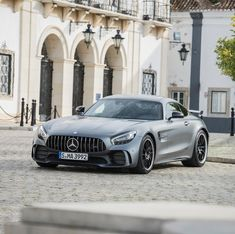 Sleek lines and enticing curves - there's no denying that the Mercedes-AMG GT R looks as good as it drives. #MercedesAMG #AMG #GTR…