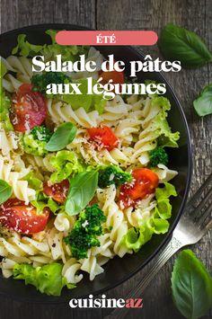 Les salades de pâtes sont faciles à transporter au travail ou pour un pique-nique. Notre recette de salades de pâtes aux légumes est parfaite pour les chaudes journées d'été. #recette #cuisine #pates #salade #lunchbox #piquenique #legume #ete