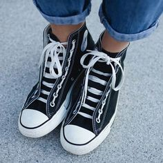 One of the most popular shoes ever: Chucks by is a big fan of them as well. Most Popular Shoes, Chuck Taylor Sneakers, Chuck Taylors, All Star, High Tops, High Top Sneakers, Fan, Fashion, Moda