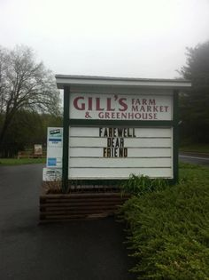 Drove by Gill's Farm last week.  Saw the empty stage where Levon performed each Fall...for free.  Sadness.