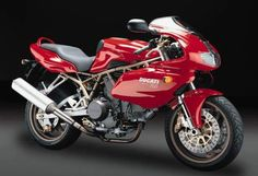 The 1999 MY Ducati 900SS Half-fairing is a machine that offers superbike performance levels in a naked package. It has, at its heart,...