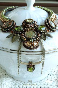 Купить Колье ''Aroma de otono'' с унакитами и кристаллами Swarovski - колье из бисера, колье из камней