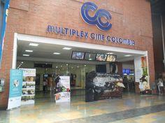 Distribución material publicitario del evento en algunos puntos concurridos del centro comercial en Cali
