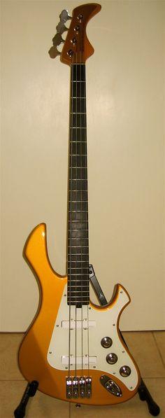 Blonde 24 Fret Fender Performer Bass.