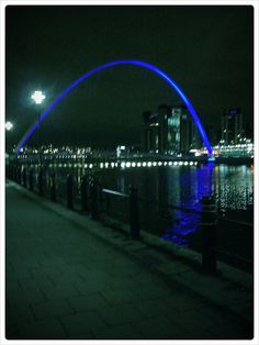 Gateshead Millennium Bridge, Newcastle Upon Tyne.