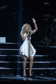 """Kimberly Perry of The Band Perry during the performance of """"Don't Let Me Be Lonely"""" at the CMA Awards Kinds Of Music, Music Love, Pop Music, Country Musicians, Country Singers, The Band Perry, Country Bands, Cma Awards, Country Music Videos"""