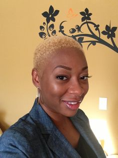 Me - Clairol Textures & Tones Lightest Blonde -short natural cut - shaved hairstyle - TWA www.thedazzdiva.com