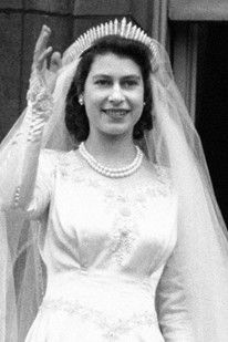 Queen Elizabeth II's Wedding Hm The Queen, Royal Queen, Her Majesty The Queen, Queen Elizabeth Ii Wedding, Princess Elizabeth, Windsor, Royal Brides, Royal Weddings, George Vi