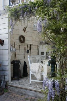 lovely, would make a nice look for a garden shed