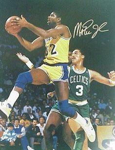 Magic Johnson Signed 16X20 Photo - Layup Vs Celtics