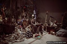 Our 2010 home haunt photos - cemetery and pirates - Halloween Forum Halloween Prop, Pirate Halloween Decorations, Halloween Names, Skeleton Decorations, Halloween Forum, Outdoor Halloween, Halloween House, Halloween 2018, Halloween Stuff