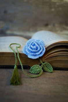 Fiore crochet segnalibro handmade blu rosa