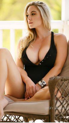 Maria rya pornstar watch her masturbating closely