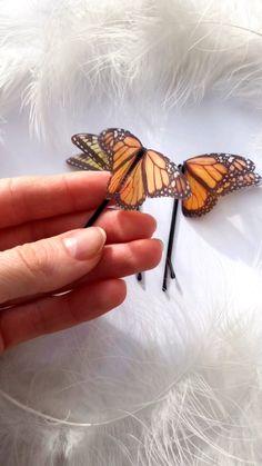 Hair clips 183169909832745211 - Silk Butterfly Hairpin, Monarch Butterfly Hair clip Source by DieuPlume Butterfly Hair, Monarch Butterfly, Butterfly Jewelry, Butterfly Makeup, Feather Jewelry, Cute Jewelry, Hair Jewelry, Jewellery, Women's Accessories
