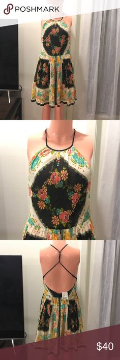 NEW! Ecoté dress from UO! Very cute comfortable brand new dress from urban outfitters! Has a beautiful open backing, perfect for the summer! Ecote Dresses Midi