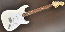 FENDER / Classic Series 70s Stratocaster Olympic White  Guitar Free Shipping! δ