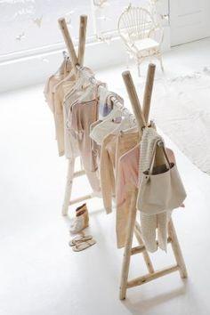 Inspiratiefoto van de dag | kledingrekje voor de kinderkamer | Huisjekijken