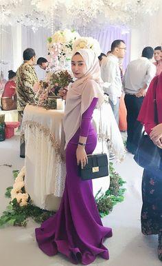 Hijab Teen, Arab Girls Hijab, Muslim Girls, Hijabi Girl, Girl Hijab, Beautiful Arab Women, Muslim Women Fashion, Hijab Chic, Islamic Clothing